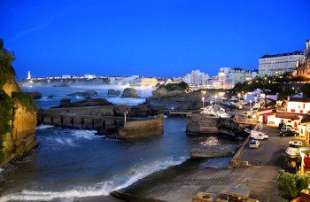 BIARRITZ-BY-NIGHT